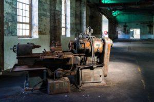 orientation scolaire : usine abandonnée